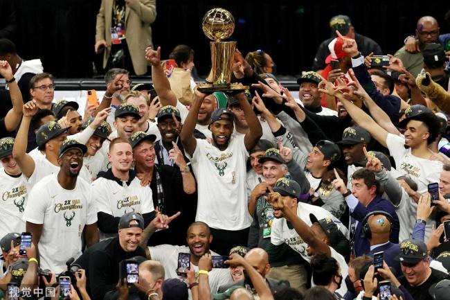 雄鹿时隔五十年重夺NBA总冠军