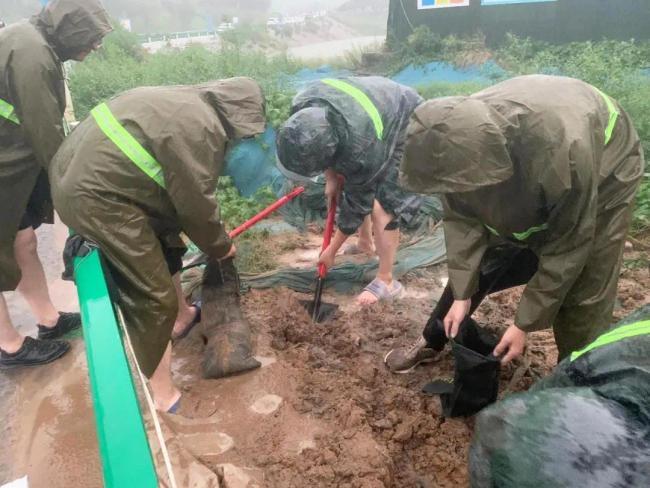 防汛救灾我们在行动!中建集团在豫项目总动员