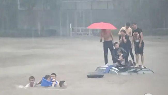 记住!这些河南暴雨中的平民英雄