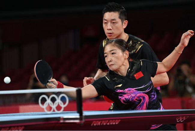 许昕刘诗雯获东京奥运会乒乓球混双比赛银牌