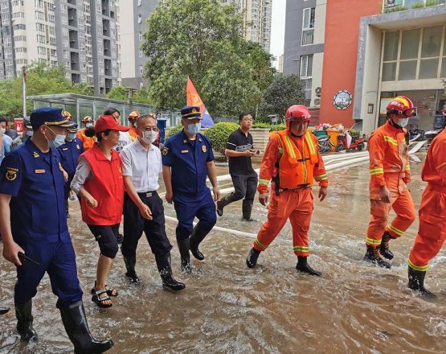 应急管理部部长黄明:全力以赴支持河南防汛救灾