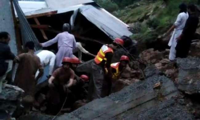 大雨袭击巴基斯坦西北部开普省 造成至少14人死