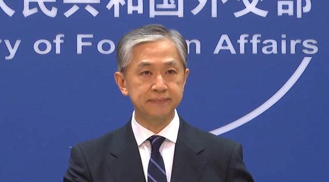 """美国总统拜登称美国将会""""保卫台湾"""" 外交部回应"""