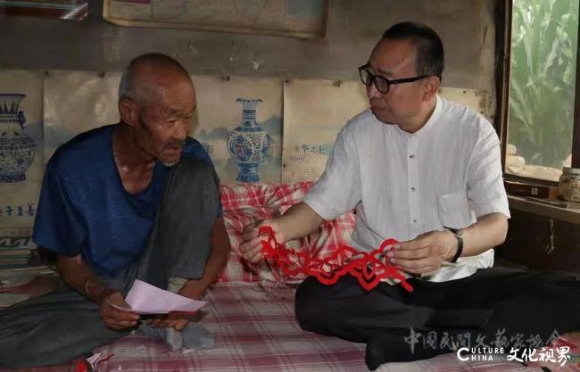潘鲁生向中国国家博物馆捐献162件个人收藏的民艺实物
