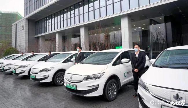 """吉利首款换电车型""""枫叶80V""""开始批量交付,两万余名曹操出行司机将率先体验""""极速换电技术"""""""