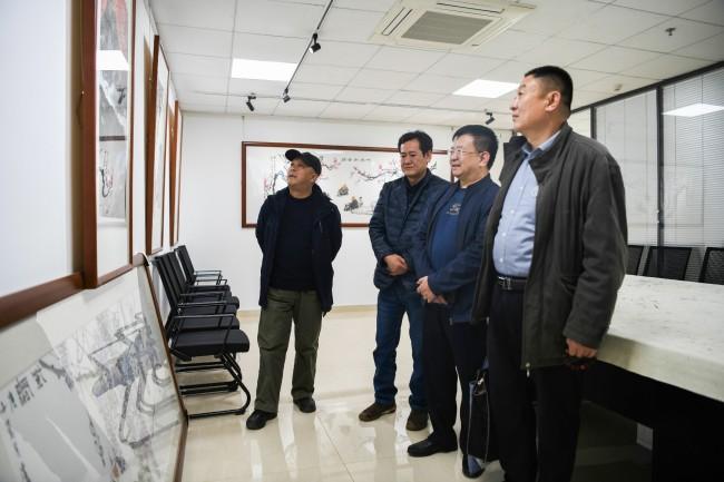 山水人家赋逸致,农家老人说丰年 ——著名画家卢洪祥、杨瑞嵩走进文化视界