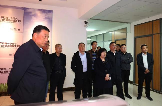 山东省工信厅组织专家团到得利斯集团调研,对其取得的成绩表示钦佩