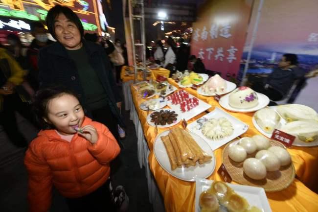"""""""品味济南""""·名优特小吃美食文化节在印象济南·泉世界正式启动,济南味道惊艳舌尖"""