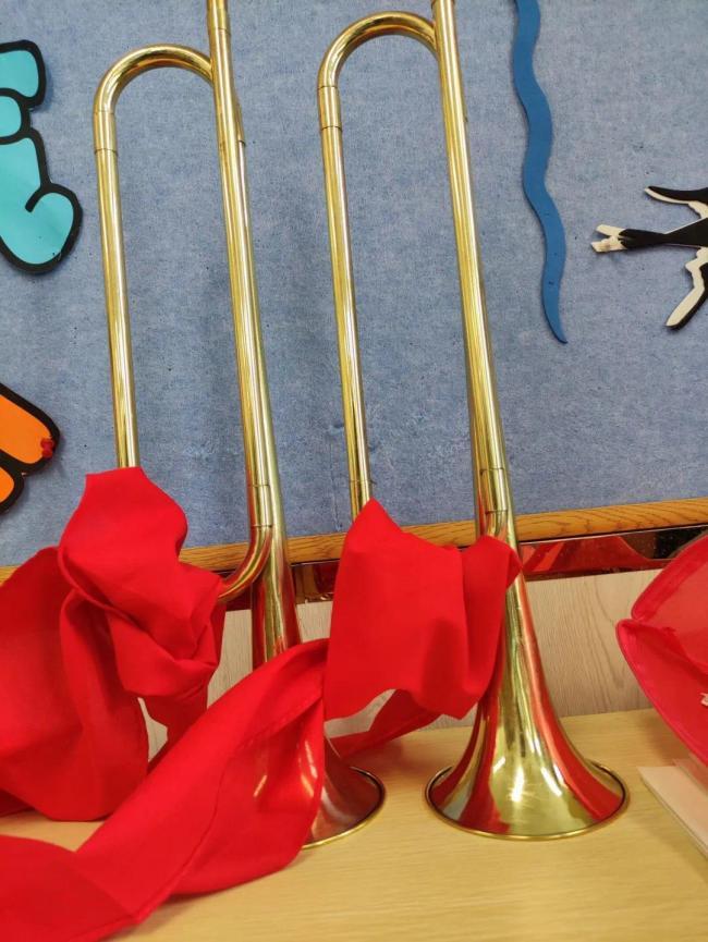山东师范大学齐鲁实验学校八年级(3)班追忆红色革命,传承爱国情怀