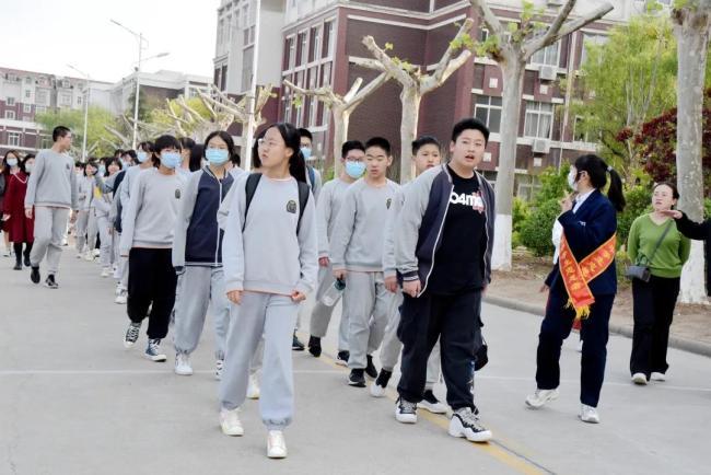 山师齐鲁实验学校九年级走进山师附中,感受名校文化  让梦想零距离