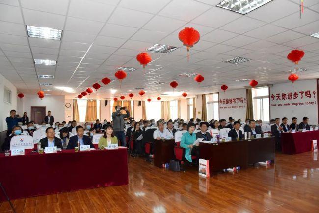 山师齐鲁实验学校承办,第十届泰山杯教育管理高层论坛初中分论坛成功举办