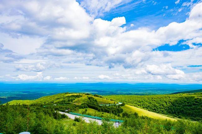 嘉华旅游推出长白山超强避暑线路,快来过山林间22℃最清凉的夏天
