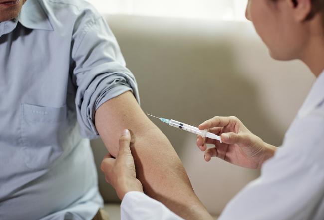 山东首例输入性德尔塔变异毒株感染者确认,济南疾控中心:尽早接种尽早免疫,不必刻意等待某种疫苗