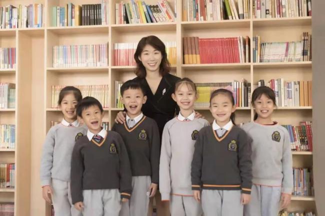"""山师齐鲁实验学校校长孙艳梅:用""""看见每一个""""的理念,打造出最美教育风景"""