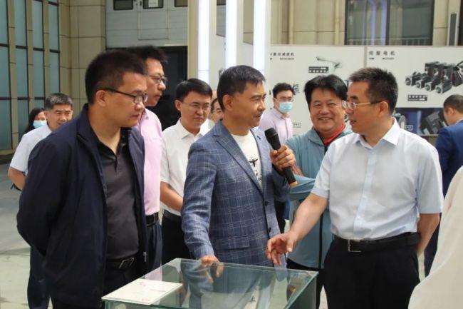 中国民营经济研究会专家一行到淄博高新区企业调研