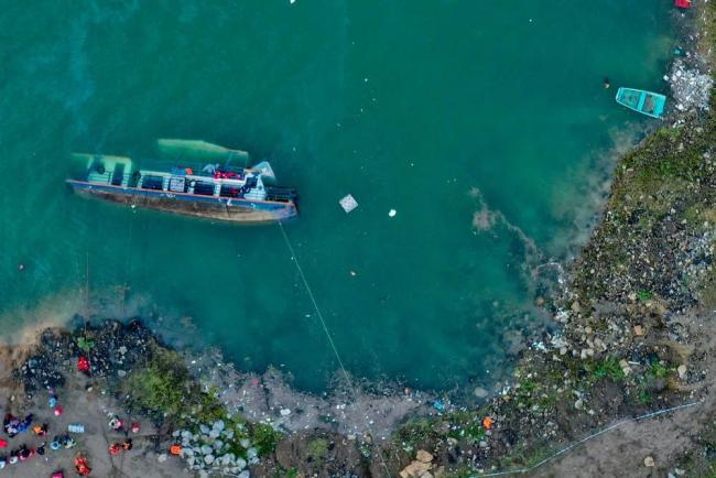 贵州六盘水客船侧翻致10人遇难5人失联!乘客主要为学生