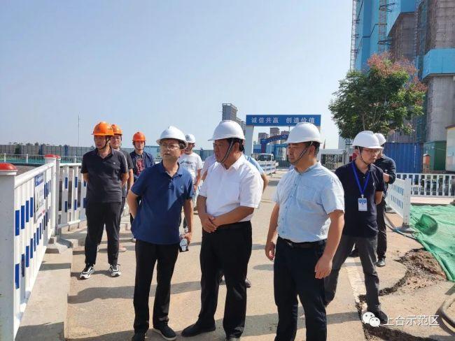 国庆不停歇!上合示范区党工委委员汤德华一线调度7个重点项目建设进度