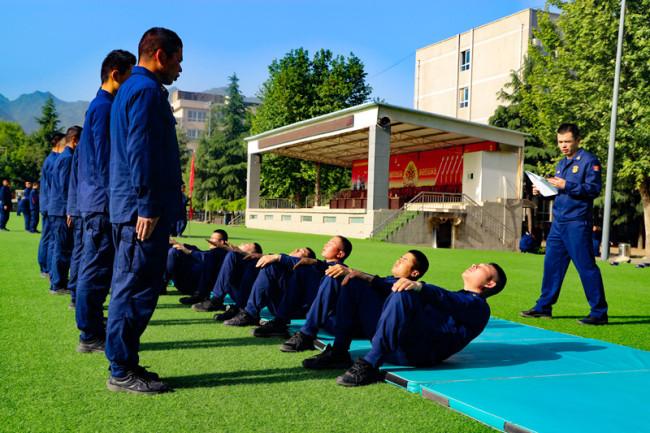 新疆森林消防总队陕西驻防队伍:以考促训砺精兵