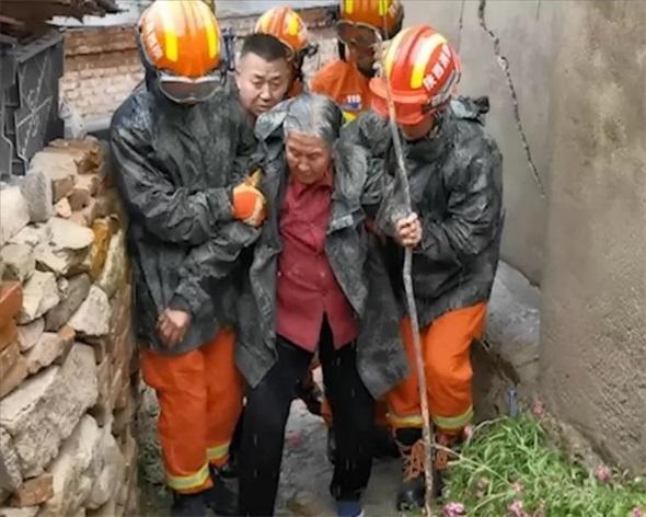 延安市消防救援支队连续出动救援—48小时营救120多名群众