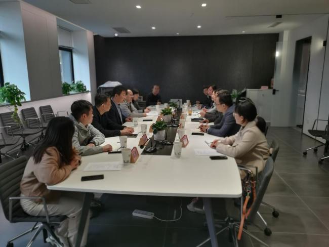 西安工业大学副校长祁玉龙一行到西安财经大学西财大曲江创新创业园交流座谈