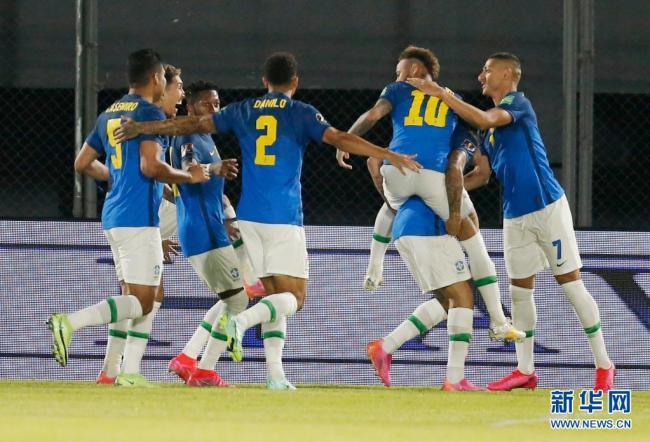 南美区世预赛:巴西胜巴拉圭