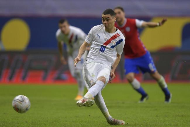 萨穆迪奥阿尔米隆破门 巴拉圭2-0力克智利