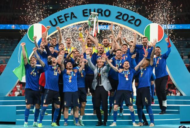 意大利点球战胜英格兰 时隔53年再夺欧洲杯