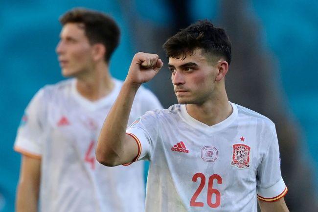 西班牙未捧杯也获奖 18岁小将获评欧洲杯最好新秀