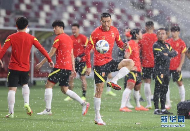 世预赛12强赛:中国队举行赛前训练