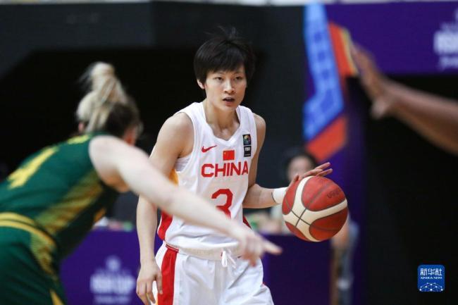 女篮亚洲杯中国队82:64力克澳大利亚成功晋级四强