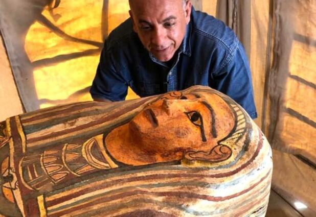 2500年前古棺色彩仍鲜艳