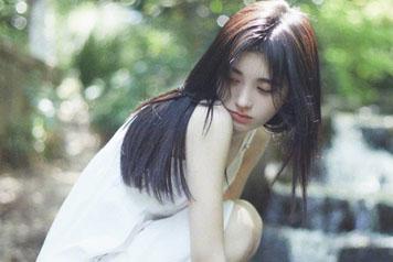 4000年的初恋!鞠婧祎白色连衣裙新照