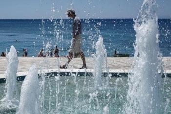 希腊继续高温超40℃